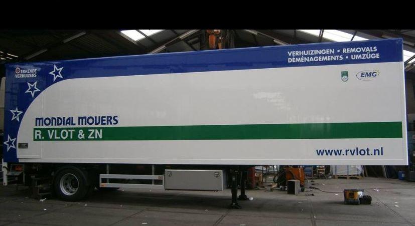 verhuizer trailer mondial movers