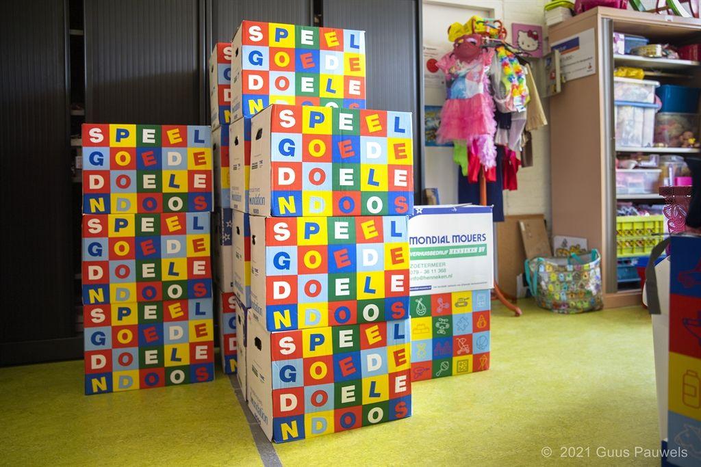 speelgoedbank ontvangt speelgoededoelendozen van de Mondial Movers Foundation