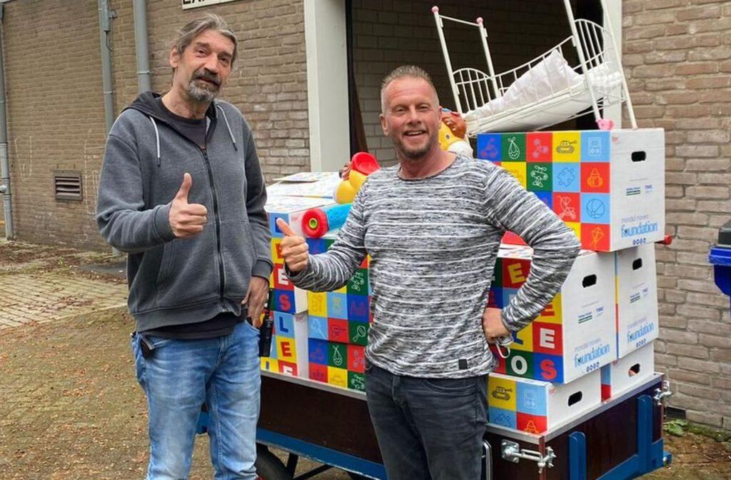 Speelgoededoelendozen van de Mondial Movers Foundation voor het COA