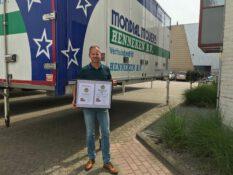 Lauwrens de Jong viert jubileum bij Mondial Verhuisbedrijf Henneken in Zoetermeer