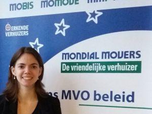 Communicatiemedewerker Leonie Naaktgeboren verhuisbedrijf Mondial Movers.