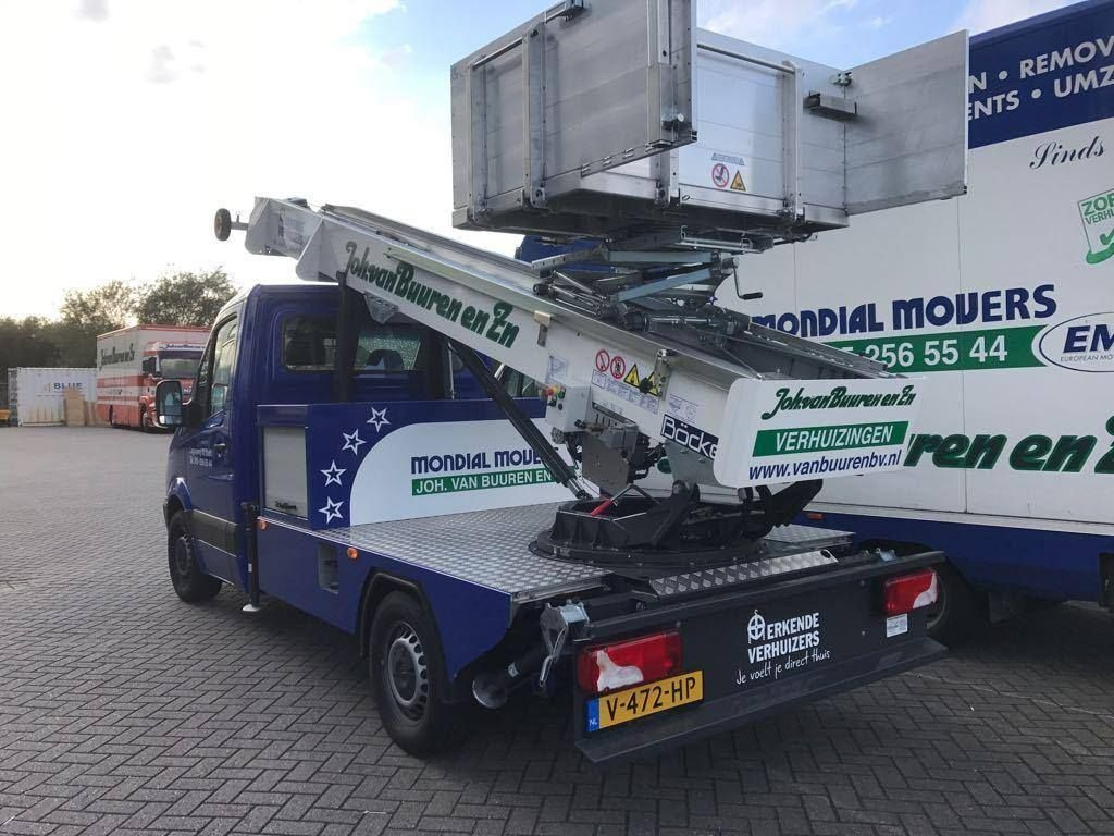 Nieuwe verhuislift verhuisbedrijf Mondial Van Buuren Böcker