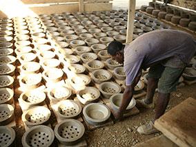 Duurzaamheidsproject verhuizen Efficiënte cook stoves in Ghana